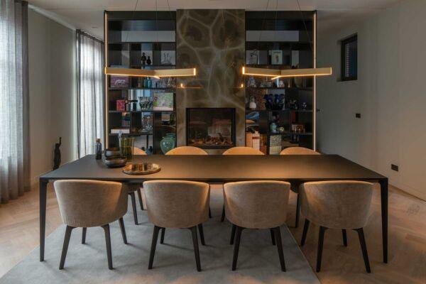 SVDBA-Stijnvandenboogaard-Den Haag-architectuur-architect-restauratie-verbouw-interieur-woonhuis-huis-tuin-privé-villa-luxe-eettafel-woonkamer